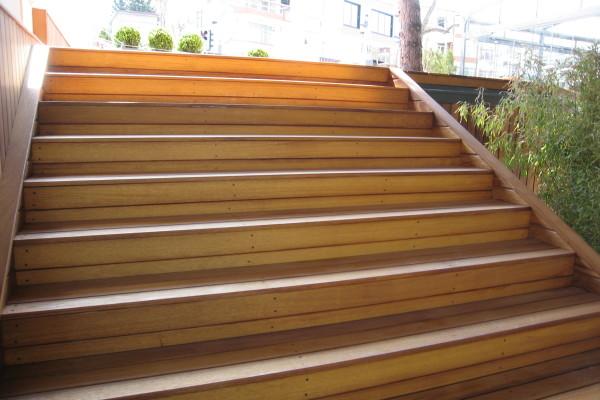 İroko -İreko- Deck Ahşap Merdiven