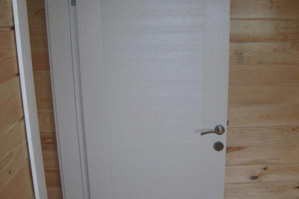 ahşap ev kapıları